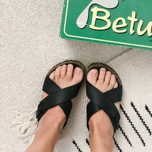 Beryls by Birkenstock Black Trio Sandals 8.5-9 US